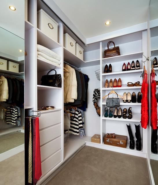 Greystones Residence modern-closet
