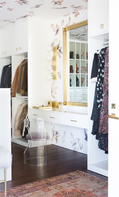 Contemporary closet design