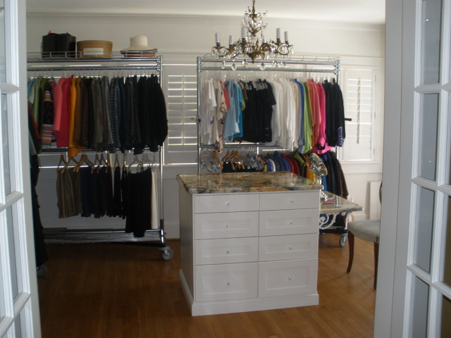 Heritage Hills closets traditional-closet