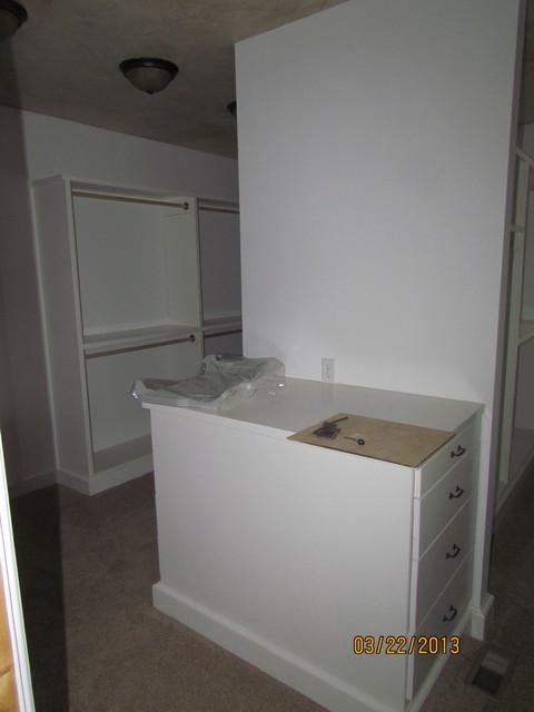 Hickory Hills Custom Home closet