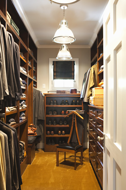 Hillgrove Project traditional closet