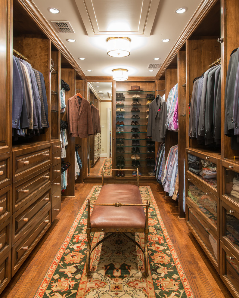 Dressing room - large traditional men's dressing room idea in Dallas