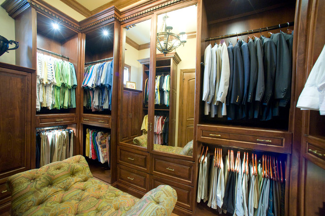 Home On The River traditional-closet