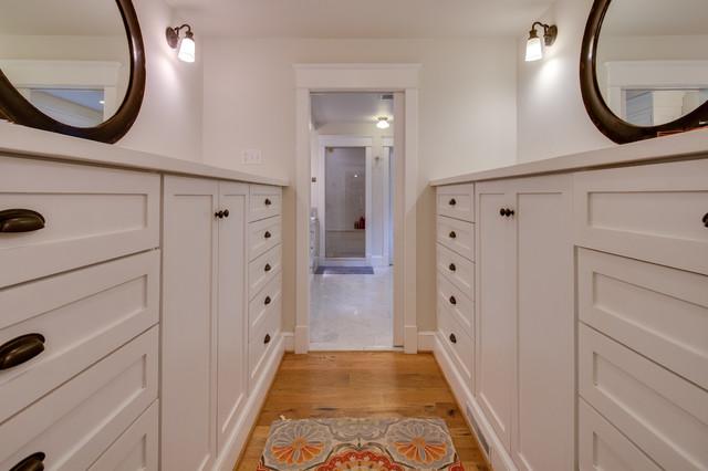 House 5 traditional-closet
