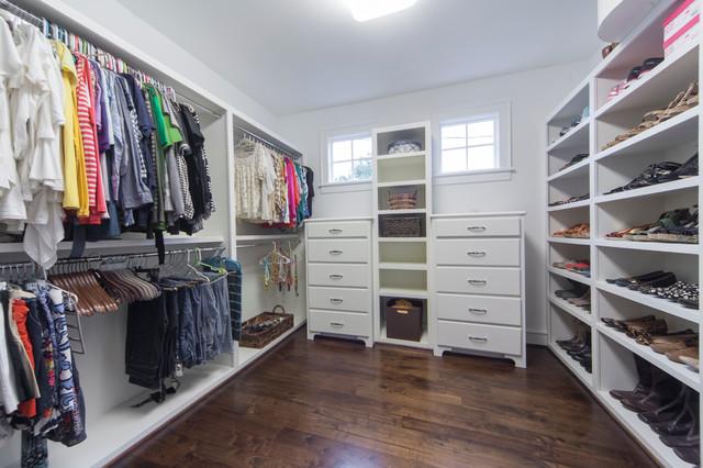 Houston cape cod look for Cape cod closet ideas