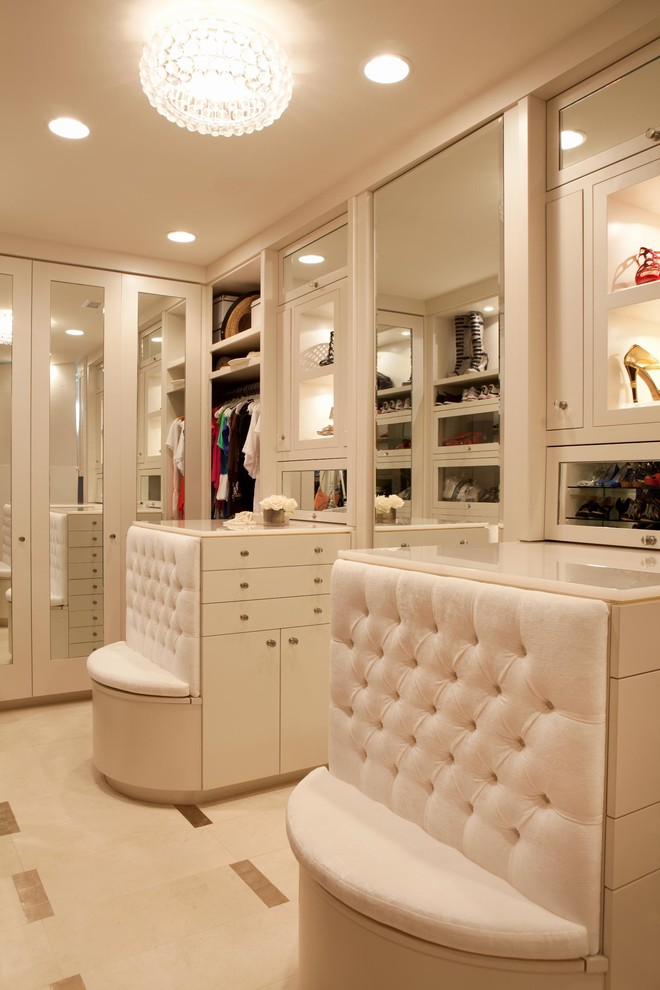 Example of a trendy dressing room design in Los Angeles