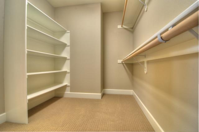 Irvington traditional-closet