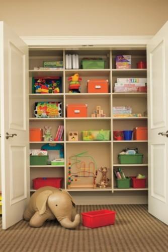 Kid Spaces closet