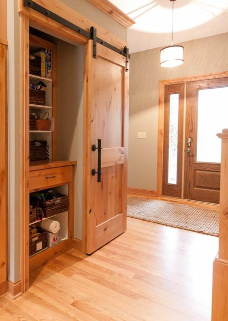 kitchens craftsman armoire et dressing minneapolis par franklin builders. Black Bedroom Furniture Sets. Home Design Ideas