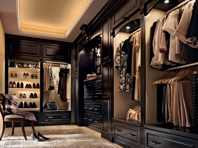 Kraftmaid cabinetry traditional closet