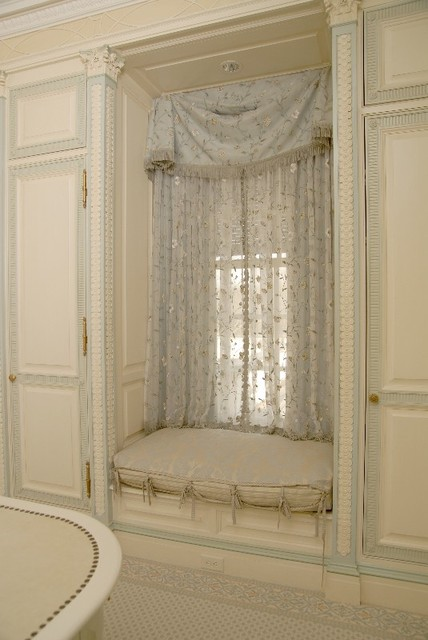 Lady's Dressing Room traditional-closet