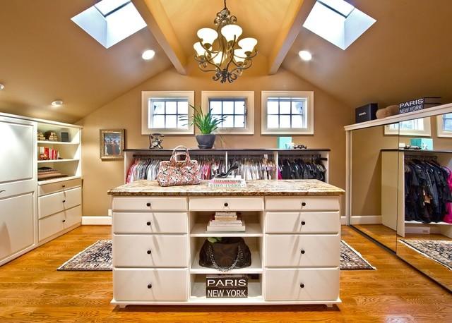 Lochwood Lozier Master traditional-closet