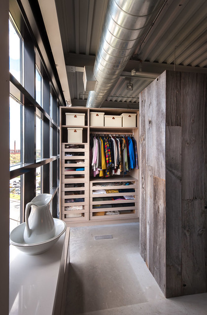Loft Design industrial-wardrobe