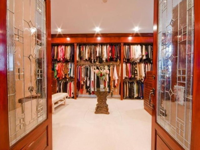 Luxe Closet For Her