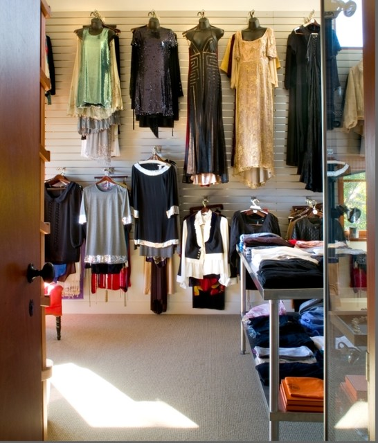 Malibu Arcitectural contemporary closet