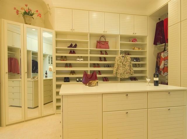 Malka In The Closet contemporary-closet