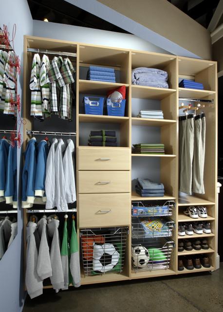 Maple Kid's Closet traditional-closet