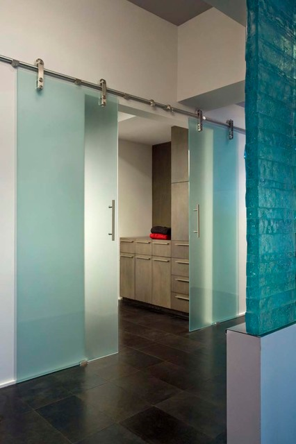 Marquee Penthouse contemporary-closet