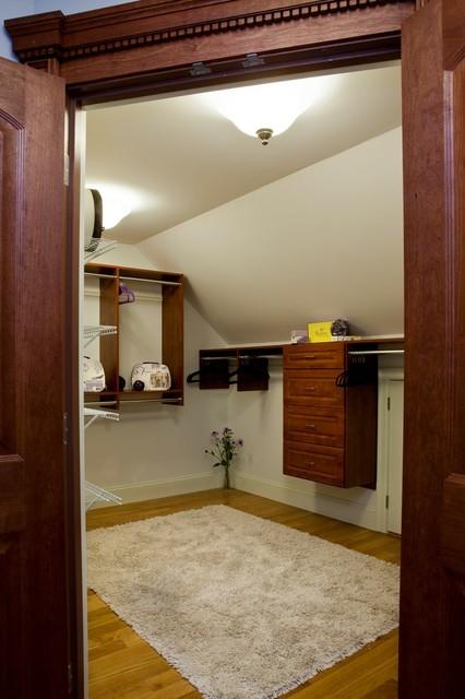 Mass Av craftsman-closet