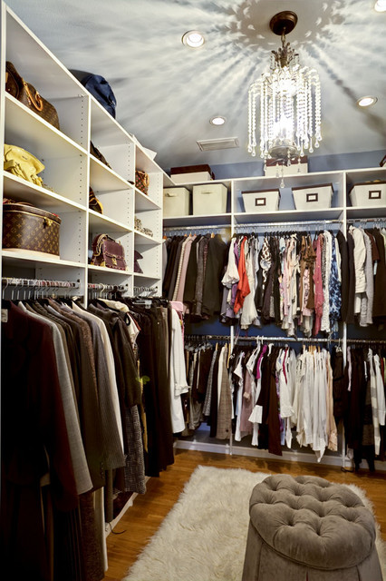 Master bathroom and closet suite traditional closet for Master bathroom designs with walk in closets