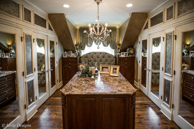 Master Bedroom Closet - Traditional - Closet - Chicago - by Linly ...