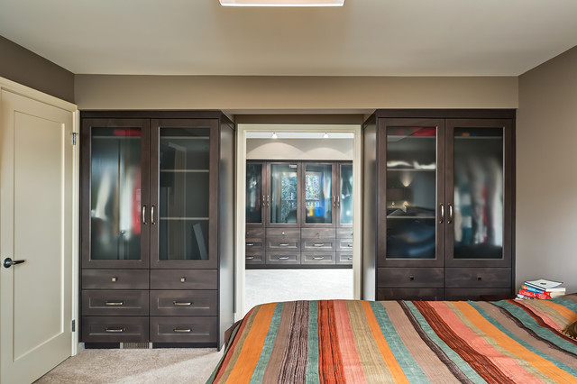 Master Bedroom Ensuite And Walk In Closet Transitional Wardrobe Calgary By Kon Strux