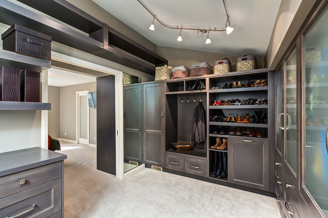 Master Bedroom Ensuite And Walk In Closet Transitional Closet Calgary By Kon Strux