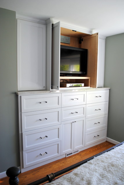 Master Suite Cabinet traditional closet
