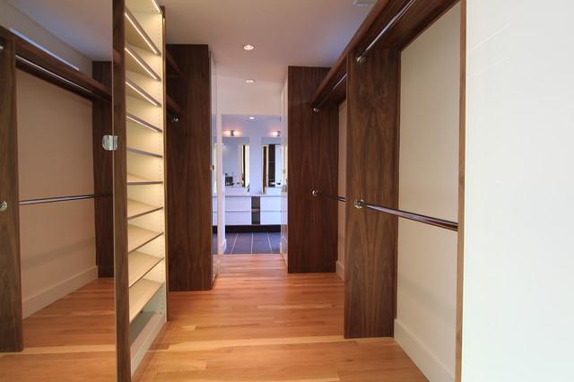 MC2 contemporary-closet