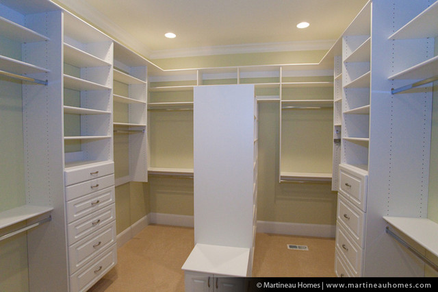 traditional closet by Martineau Homes