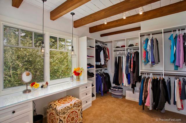 Adobe Style Beach Home mediterranean-closet