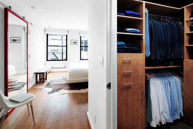 Mercer Street Residence modern-closet