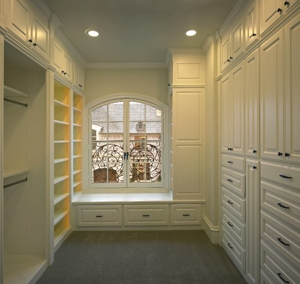 Michael Molthan Luxury Homes Traditional Closet
