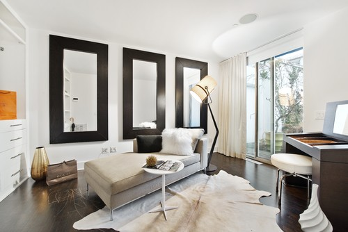 Tip 6 Don T Be Afraid Of Multiple Mirrors Designer Amy Bubier Says If You Use Them Together On A Wall Want To Grouped