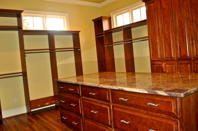 Mountain brook brookwood pl addition renovation for Brookwood kitchen cabinets