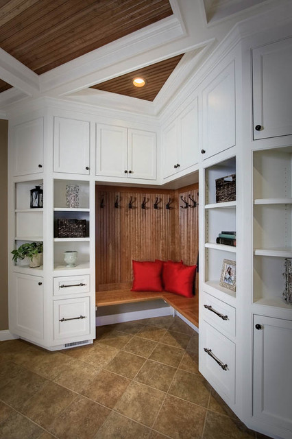 Mudroom traditional closet