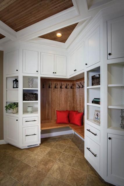 Mudroom traditional-closet