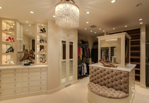 Merveilleux Love This Closet, Where Is The Chandelier From?