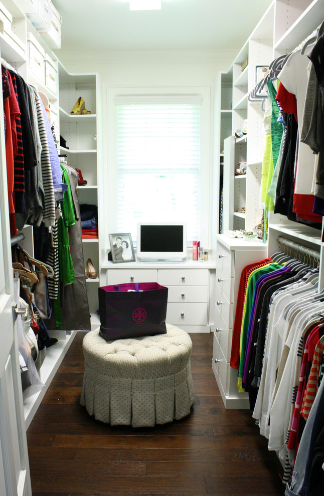 Inspiration for a transitional closet remodel in Tampa