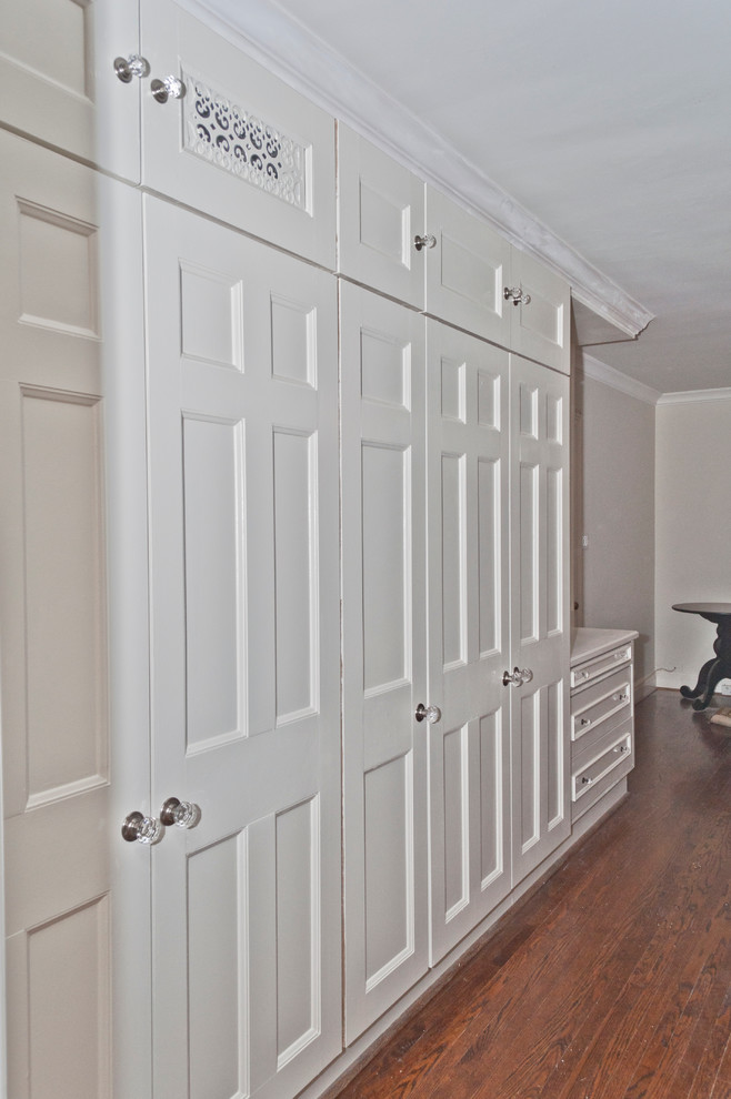 Closet - traditional closet idea in Toronto