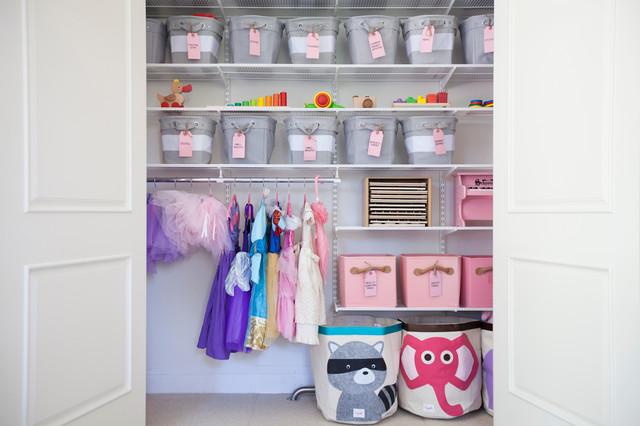 Nursery & Kid Organization traditional-closet