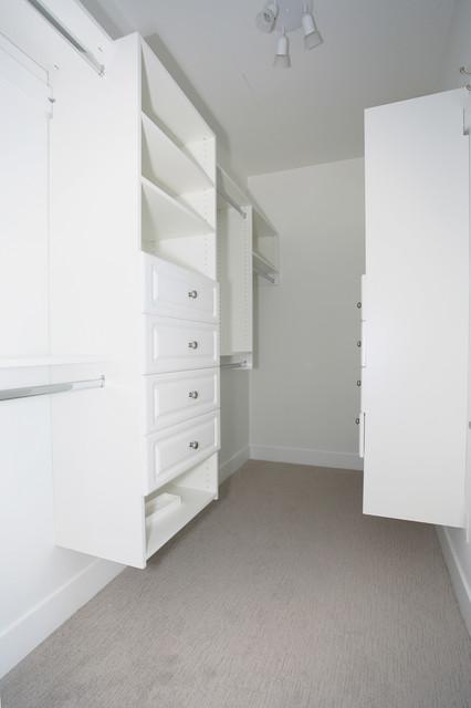 OH Custom 14 modern-closet