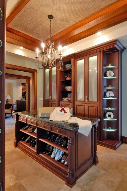 paiko lagoon oasis wardrobe traditional closet hawaii by