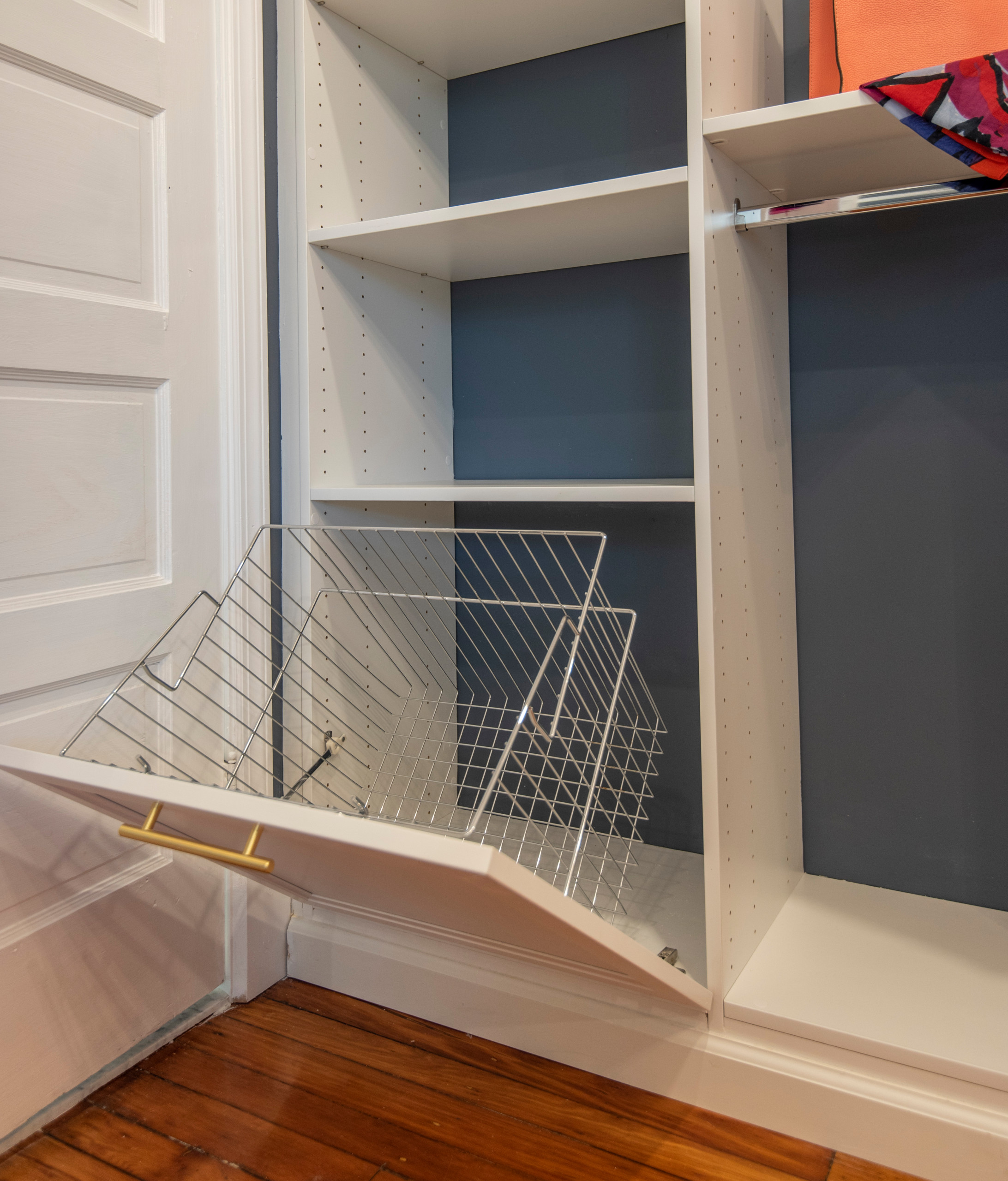 Inspiration for a large transitional gender-neutral vinyl floor dressing room remodel in Philadelphia with shaker cabinets and white cabinets