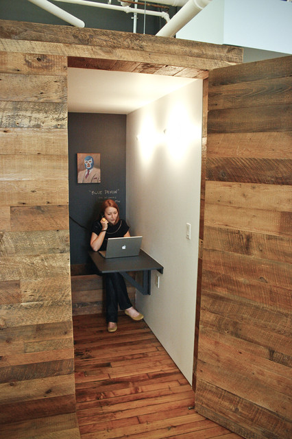 Delicieux Phone Booth/Coat Room Modern Closet