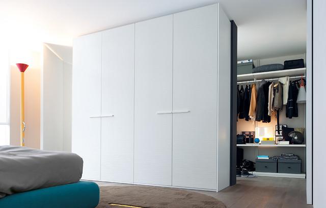 Poliform Surf Wardrobe modern-closet