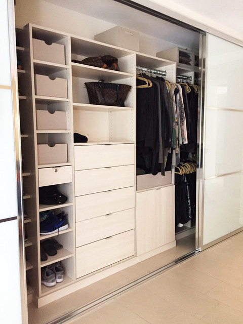 Reach in closet organizers closet los angeles by for Closet design los angeles