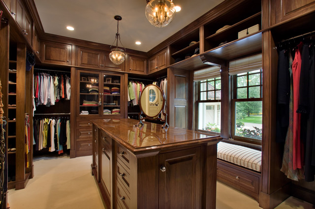 Robinsons Bay Residence traditional closet