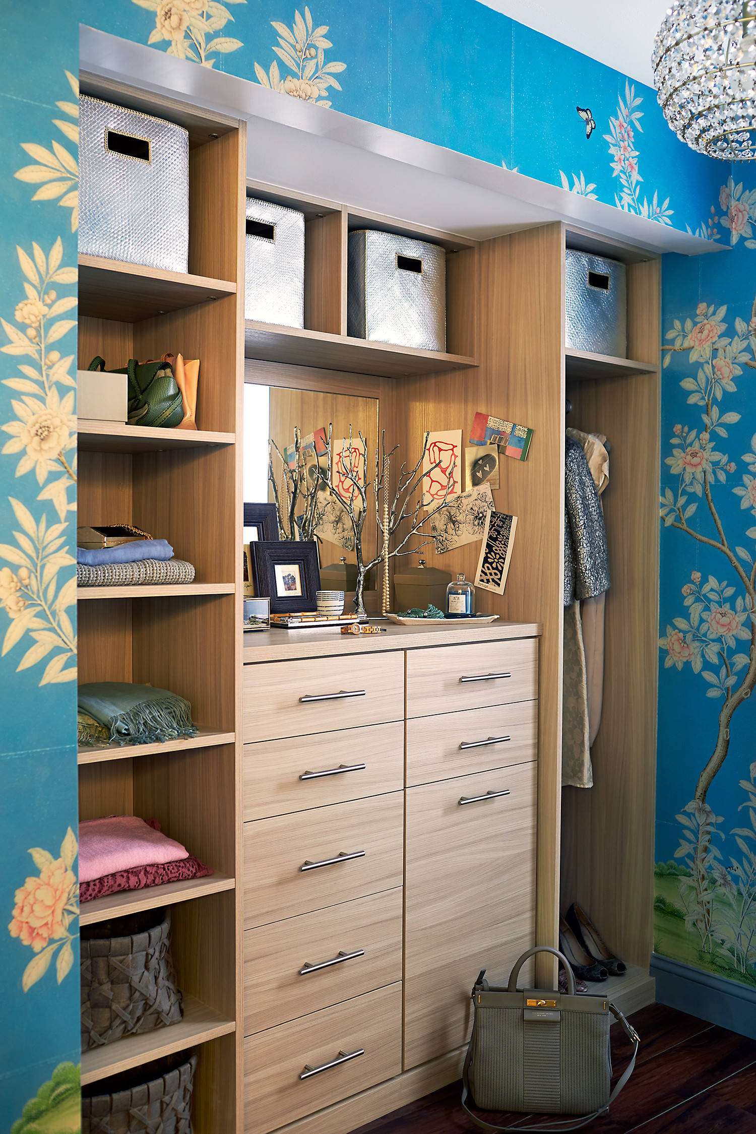 75 Beautiful Small Dressing Room Pictures Ideas February 2021 Houzz