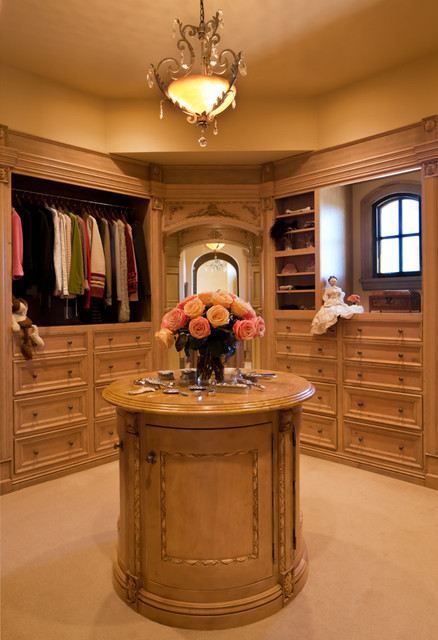 Rysso Peters traditional closet